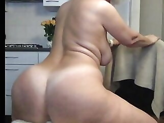 mature webcam blonde