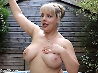 hd big tits blonde