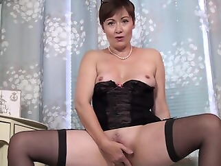 mature brunette hd