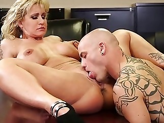 milf office pussy licking